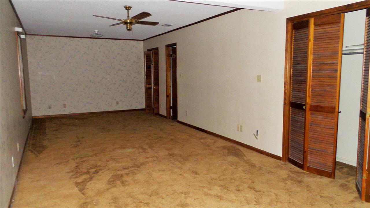 403 E Laurel St, Atmore, AL 36502