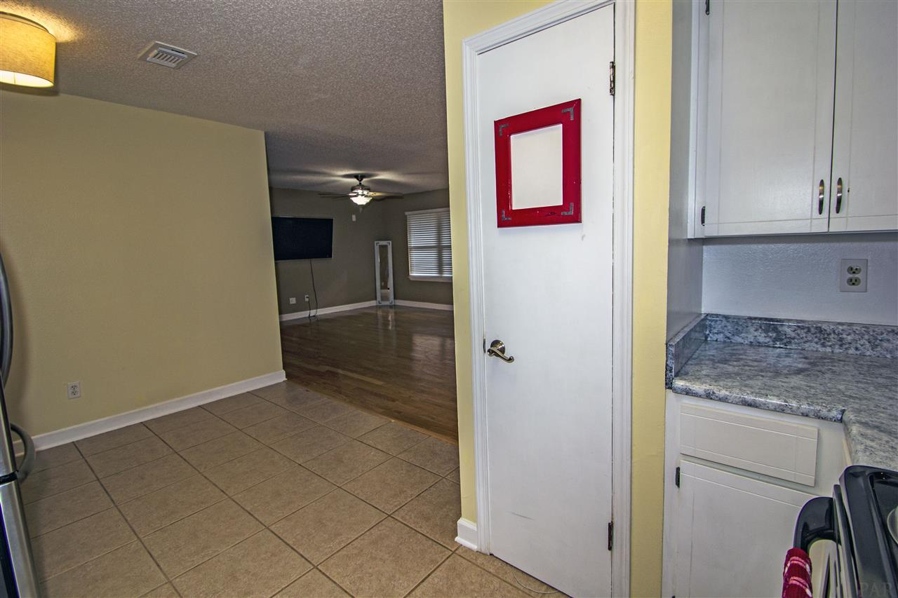 2194 Pompano Rd, Cantonment, FL 32533