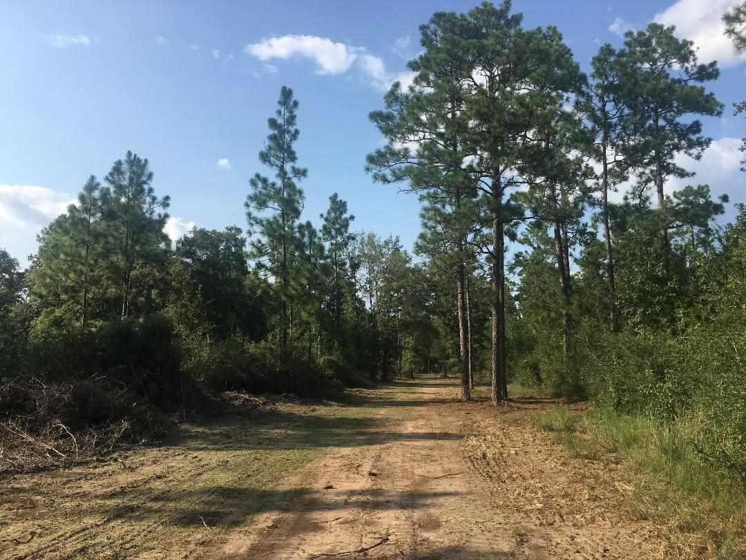 8191d Chumuckla Hwy, Pace, FL 32571