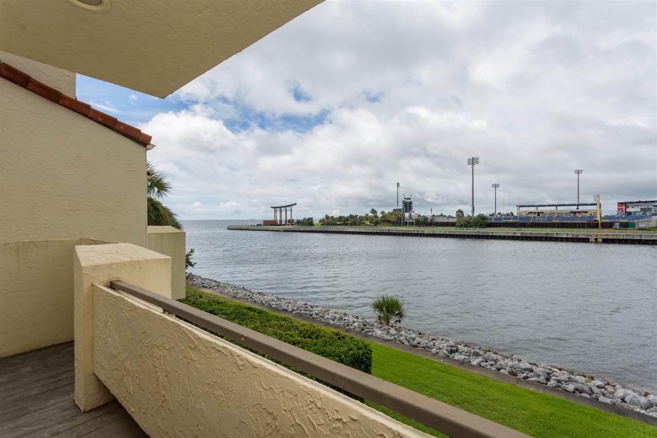 13 Port Royal Way, Pensacola, FL 32502