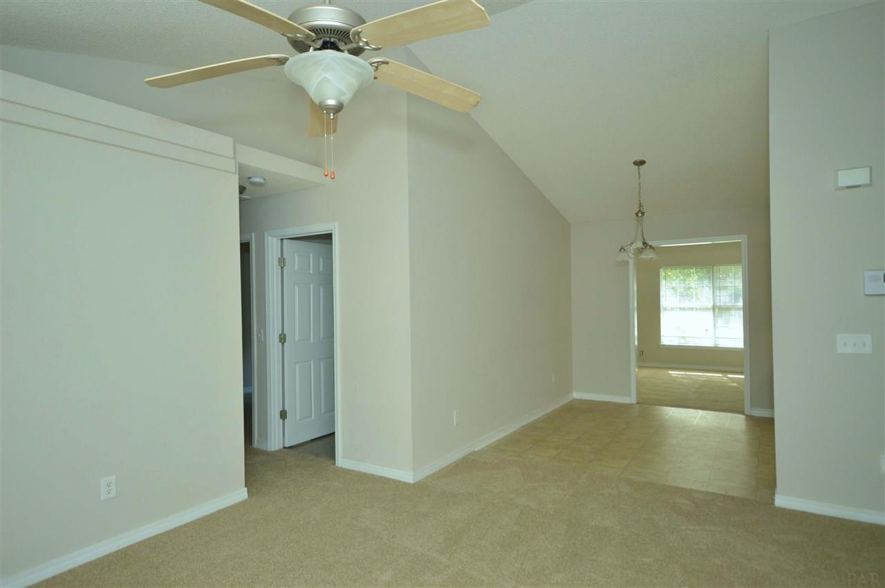 4211 Linda St, Pace, FL 32571