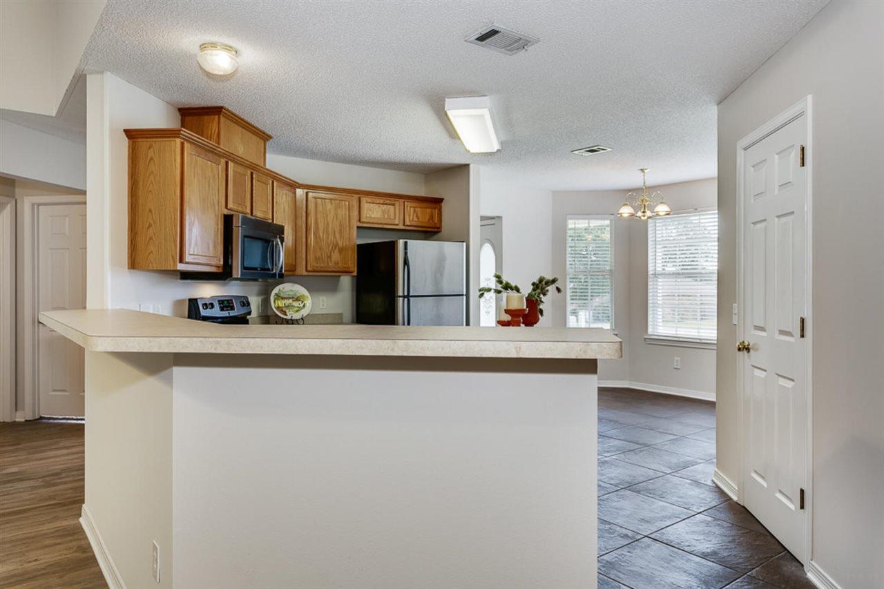 4954 Pineview Ridge Rd, Pace, FL 32571