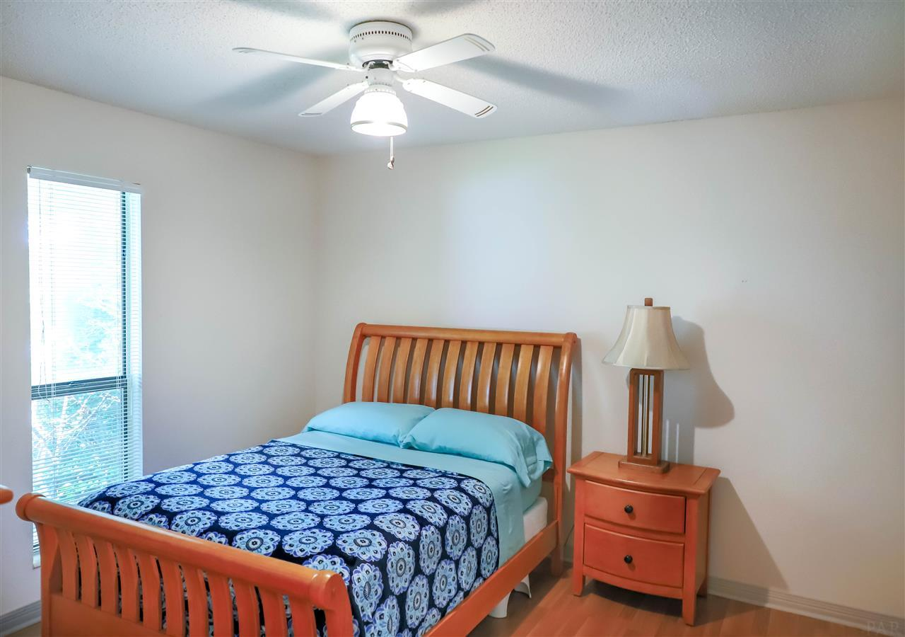 1204 Bayview Ln, Gulf Breeze, FL 32563