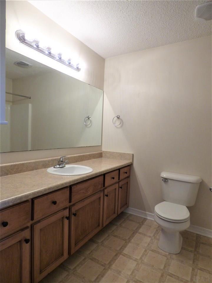 4326 Glen Forest Dr, Milton, FL 32583