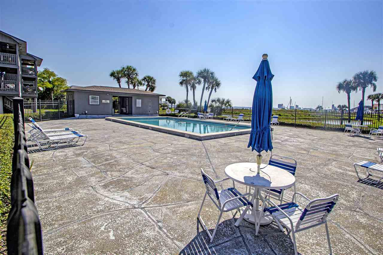 200 Pensacola Beach Rd #J4, Gulf Breeze, FL 32561