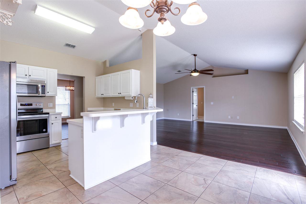6531 Bellingham St, Navarre, FL 32566