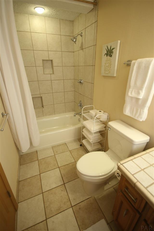5321 Rowe Trl, Pace, FL 32571