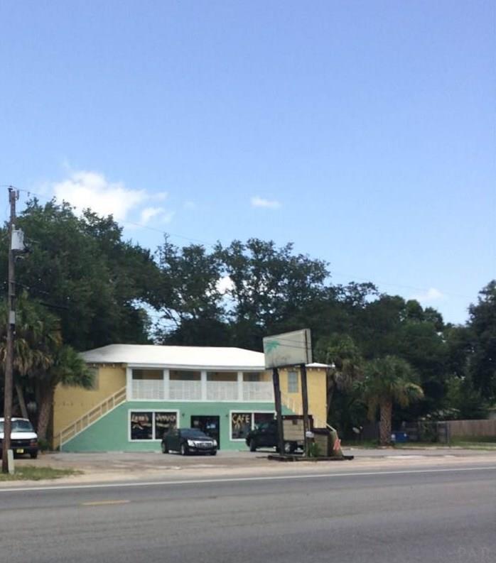 7700 W Fairfield Dr, Pensacola, FL 32506