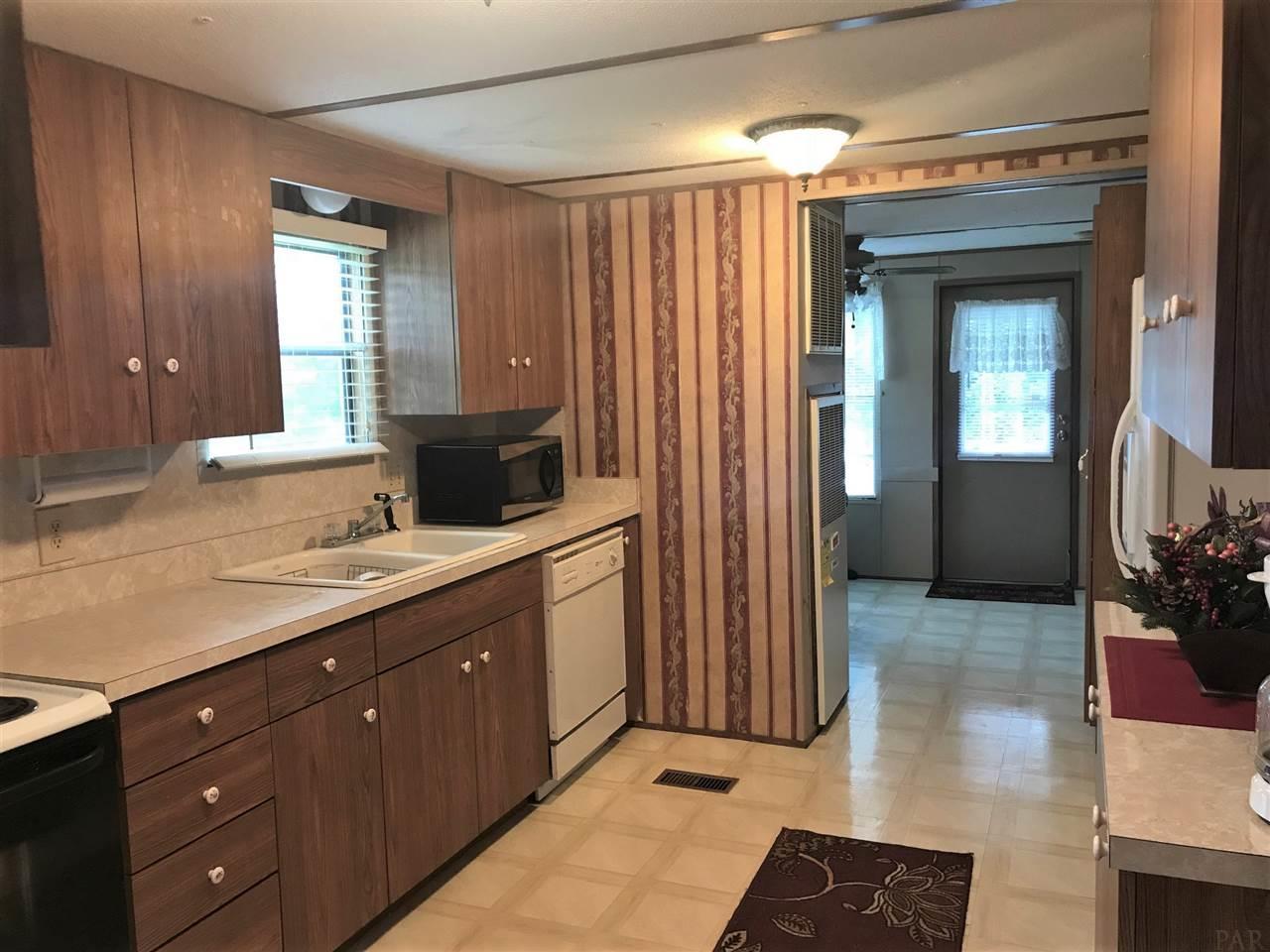 473 Crowndale Ct, Cantonment, FL 32533