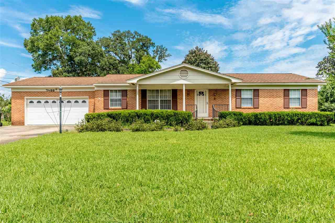 7488 Brightwood St, Pensacola, FL 32506