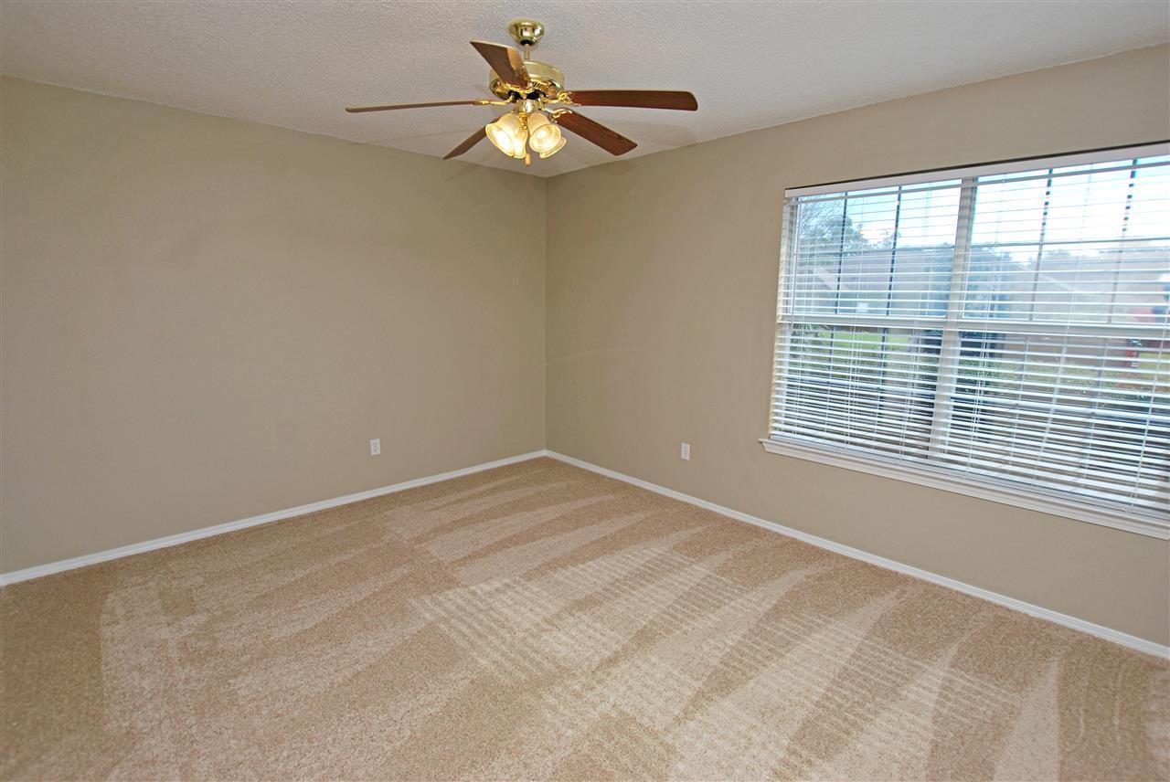 1015 Glades Ln, Pensacola, FL 32507