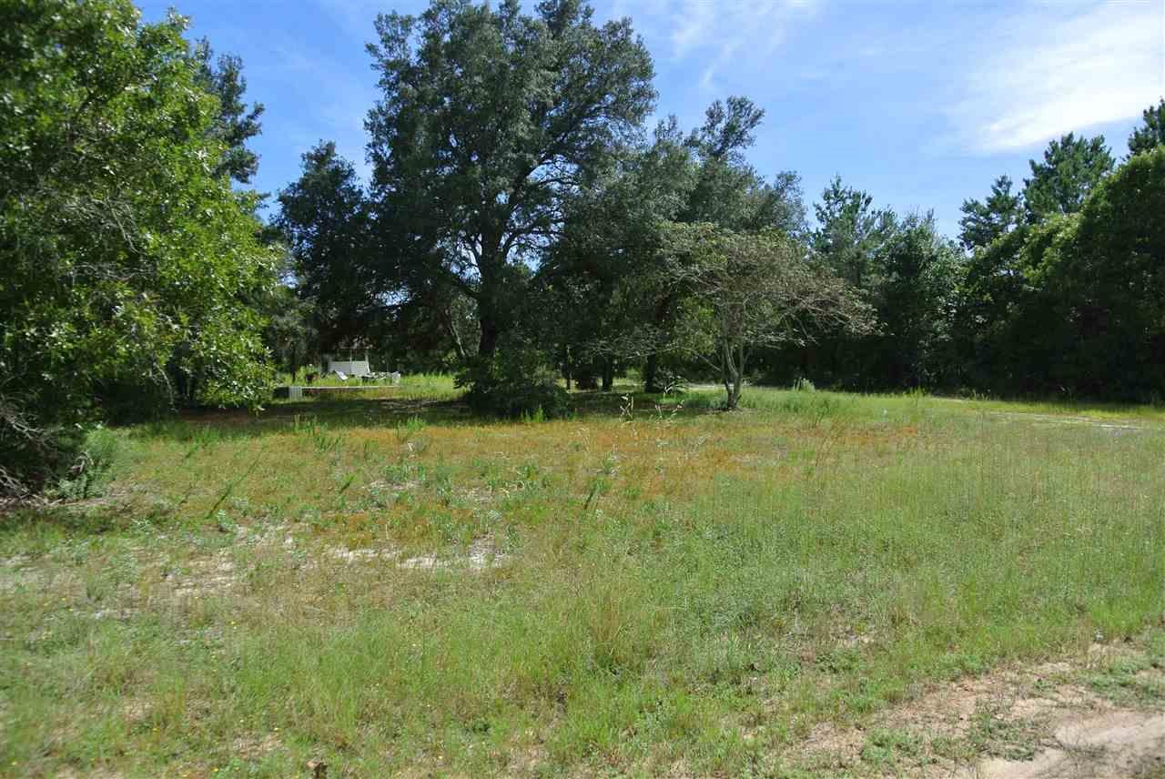 8641 Tupelo Dr, Navarre, FL 32566