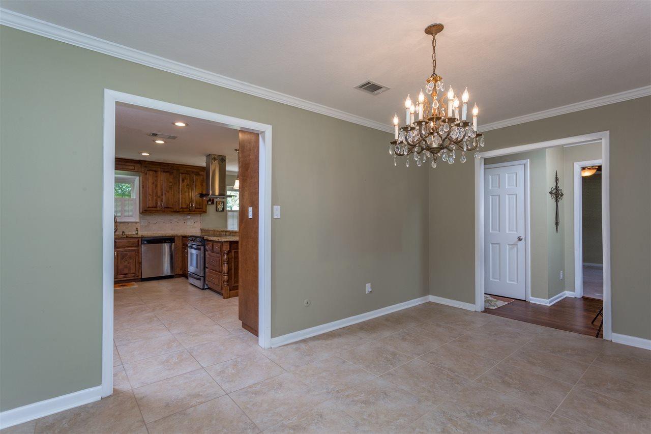 1095 Commonwealth Rd, Pensacola, FL 32504