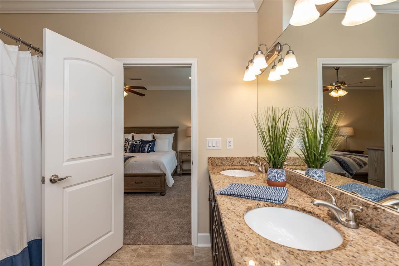 3508 Mossy Oak Villas Cir, Pensacola, FL 32514