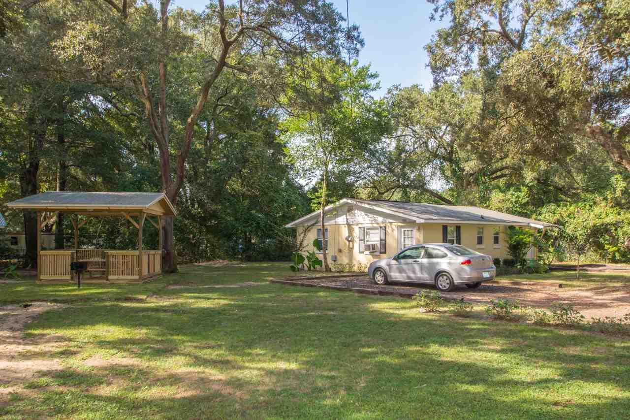 5820 Flaxman St, Pensacola, FL 32506