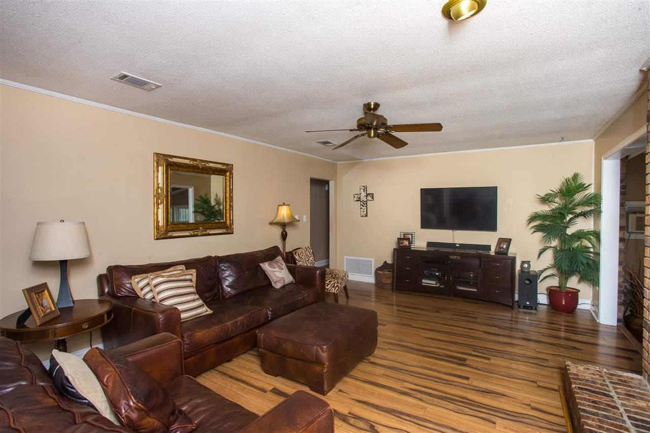 227 Cordoba St, Gulf Breeze, FL 32561