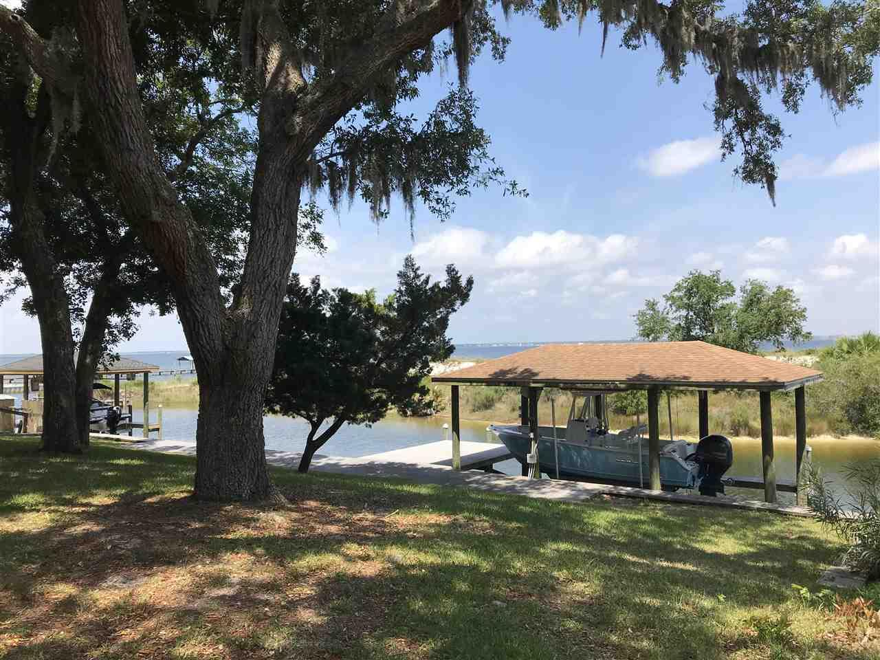 402 Navy Cove Blvd, Gulf Breeze, FL 32561