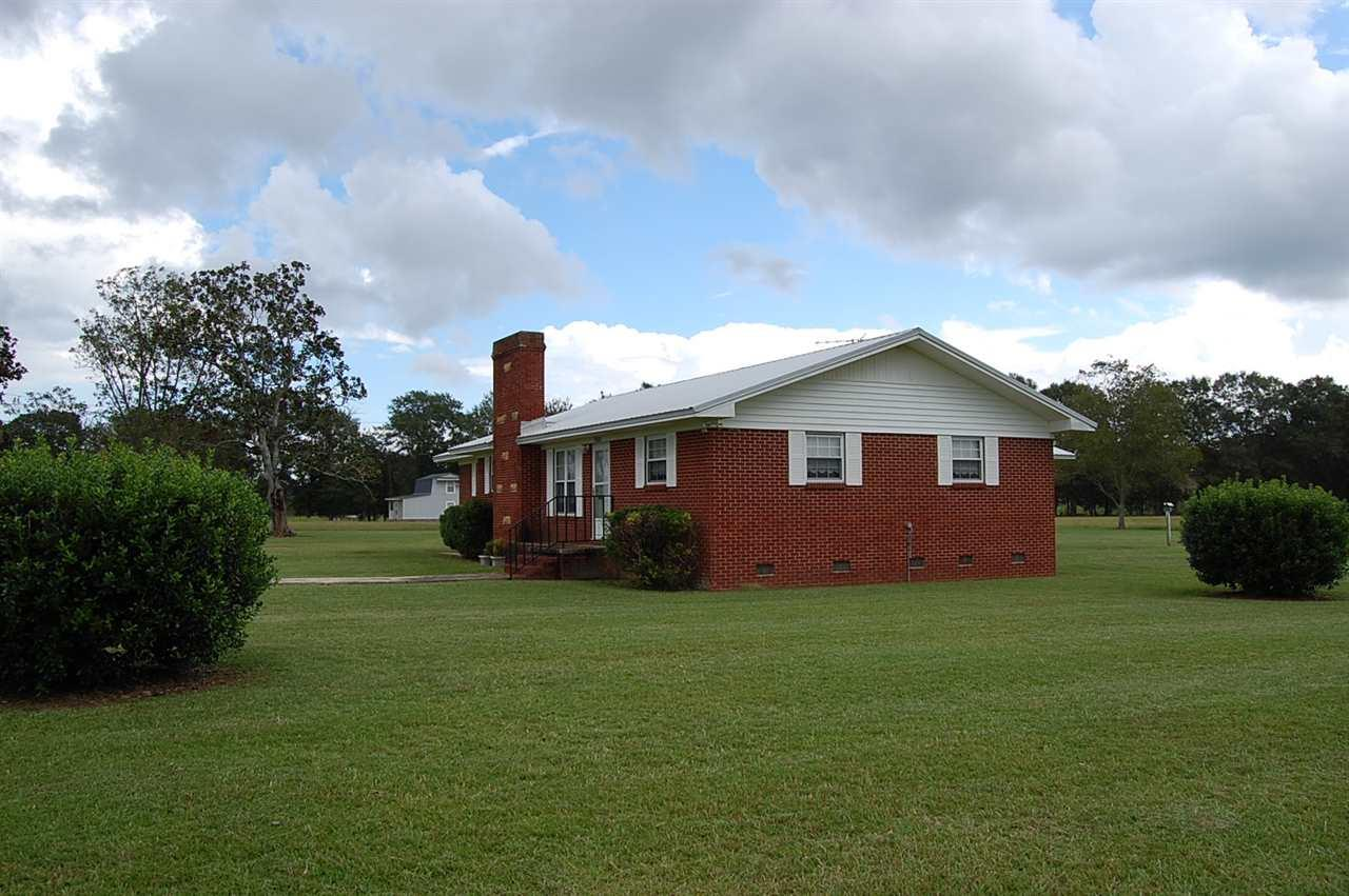 5601 Pine Forest Rd, Mcdavid, FL 32568