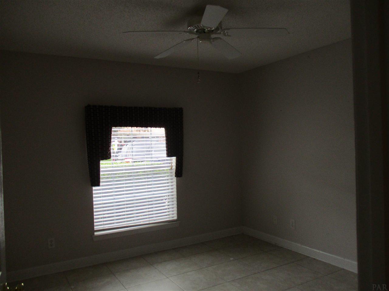 219 Pinetree Dr, Gulf Breeze, FL 32561