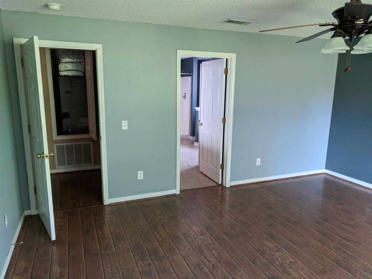4963 Pineview Ridge Rd, Pace, FL 32571