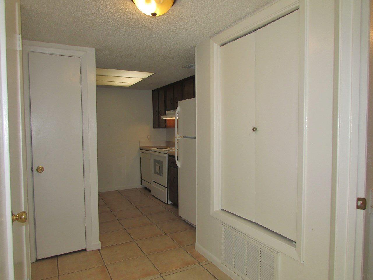 718 N Fairfield Dr, Pensacola, FL 32506