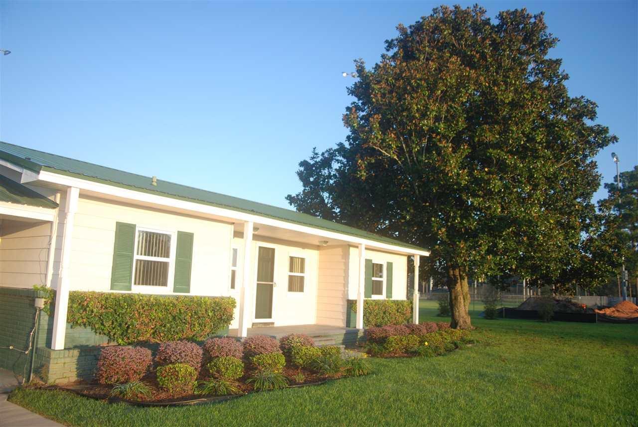 1506 Medical Park Dr, Atmore, AL 36502