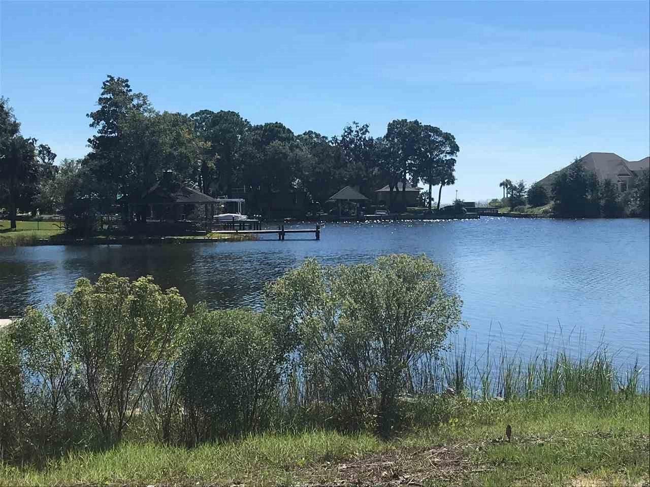 74 Star Lake Dr, Pensacola, FL 32507