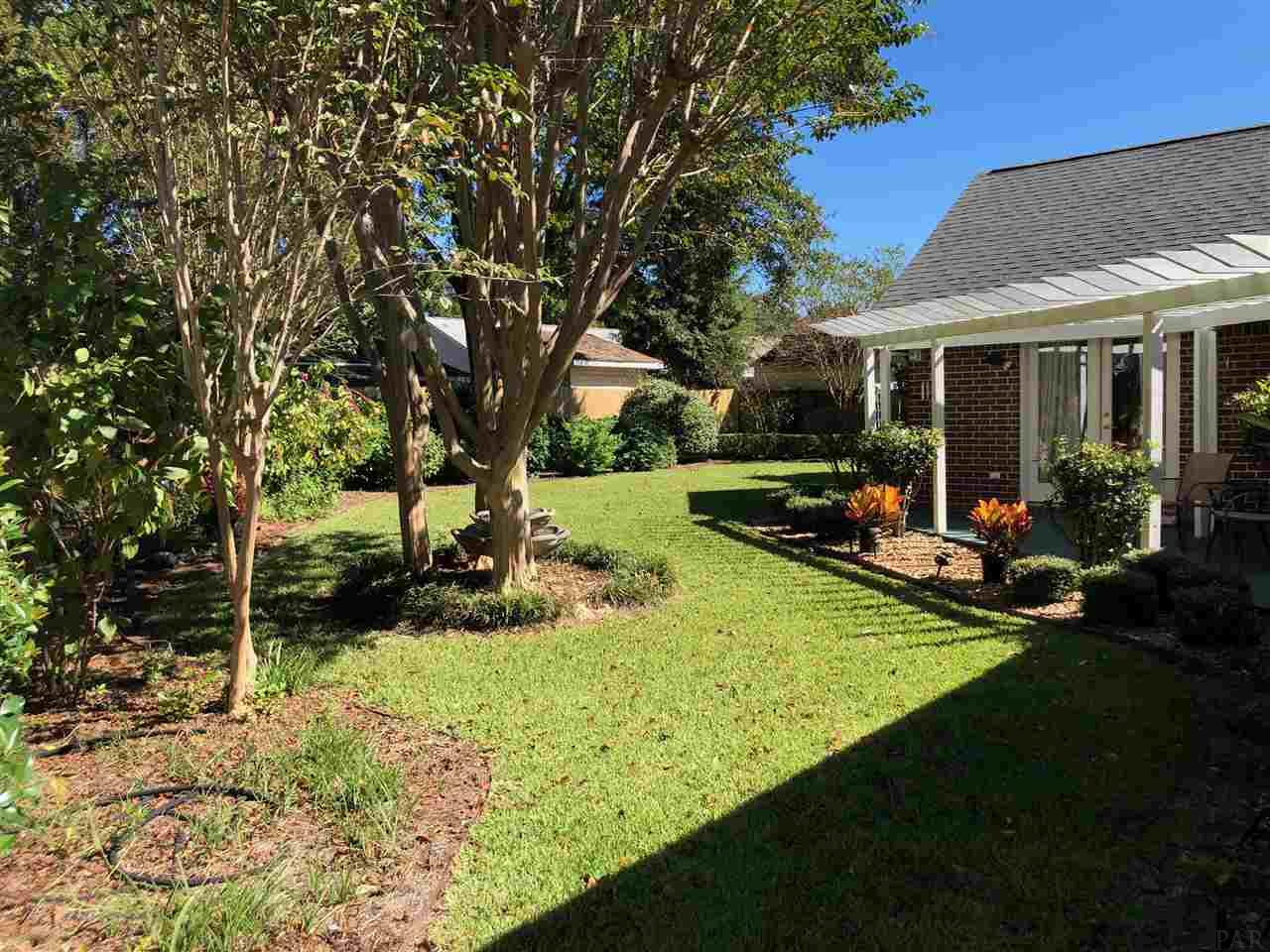 1712 Donegal Dr, Cantonment, FL 32533