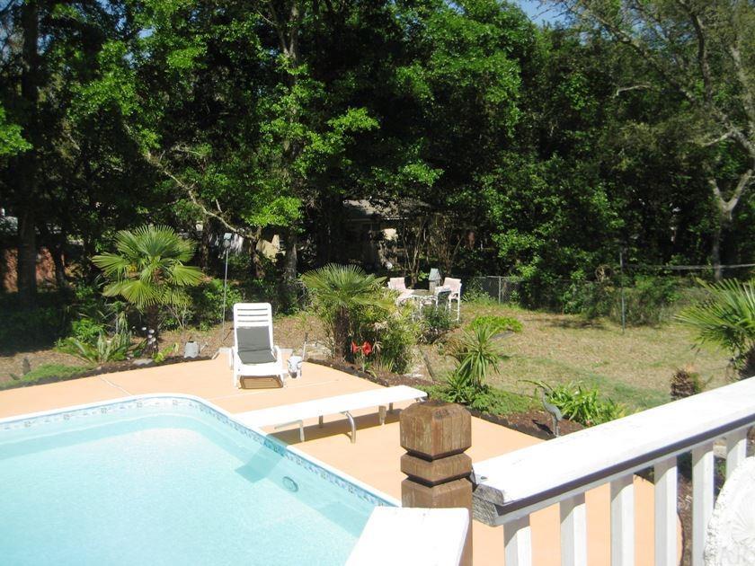 112 Shoreline Dr, Gulf Breeze, FL 32561
