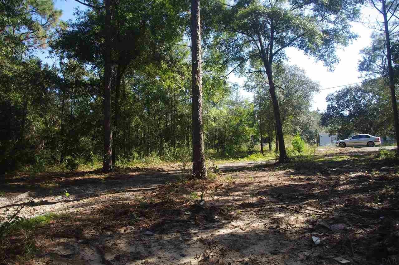 5077 E Lake Rd, Milton, FL 32583