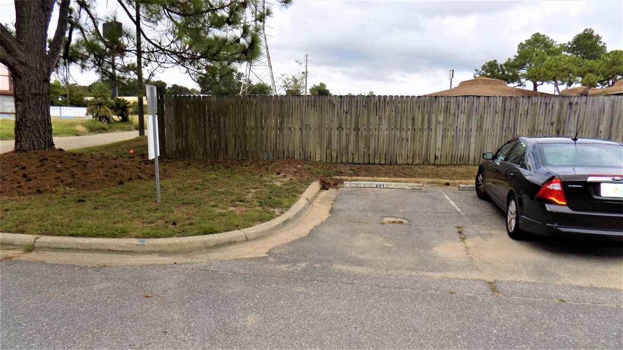 7150 Plantation Rd #221, Pensacola, FL 32504