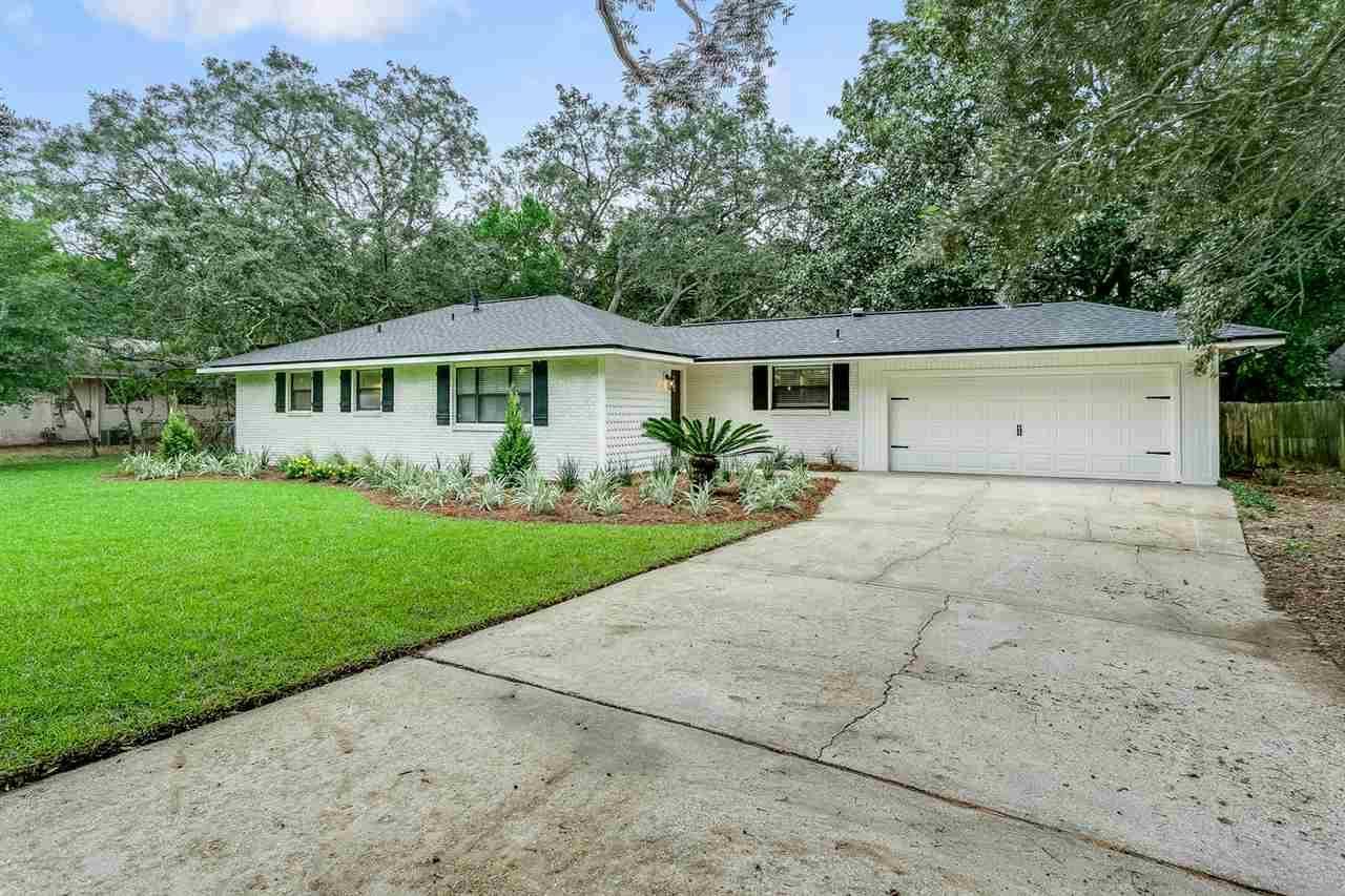 427 Warwick St, Gulf Breeze, FL 32561
