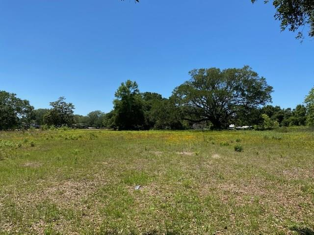 Looking for great visibility for your next business? This 4.86 acre commercial lot on Woodbine Road in Pace, Florida, is located on one of the most traveled roads in one of the region's fastest growing areas.