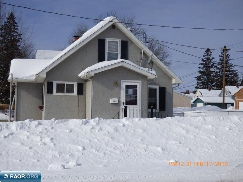 Corner lot, nice sized garage with ample storage  SOLD AS IS possible freeze damage