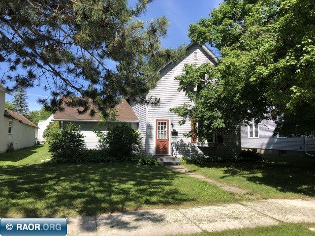 913 NW 2nd Ave, Grand Rapids, MN 55744