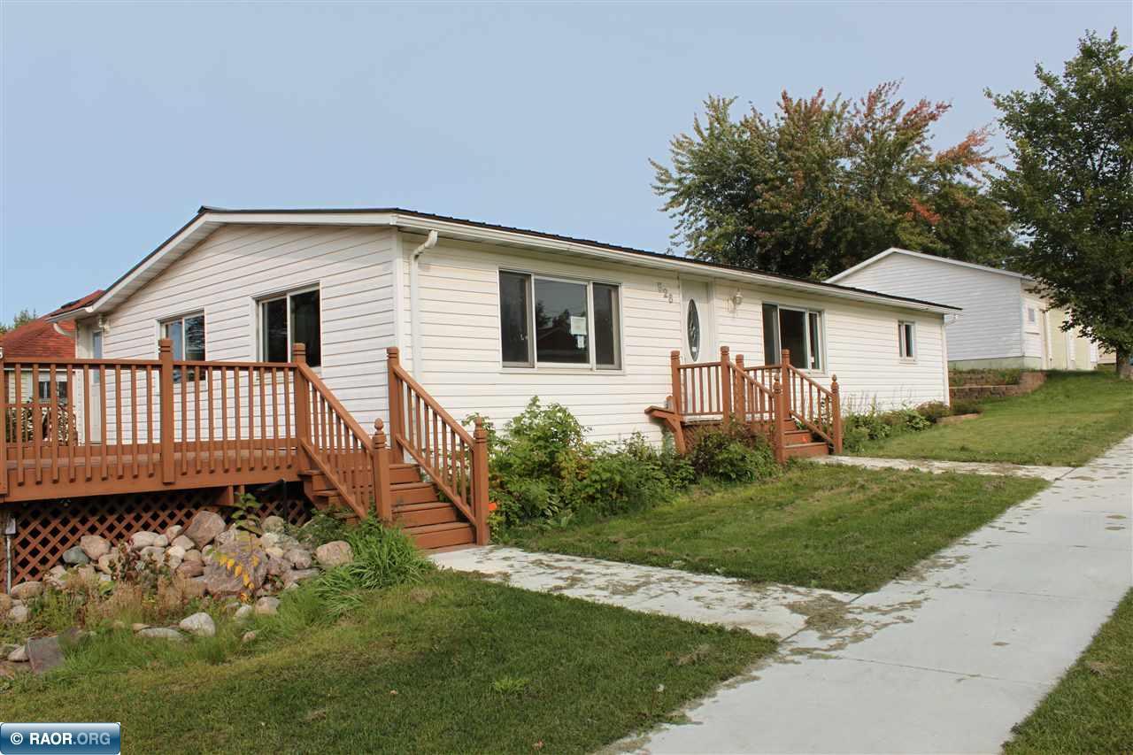 526 E Lake St, Chisholm, MN 55719