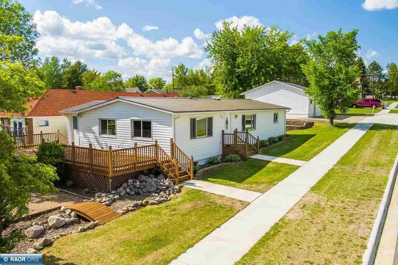 526 E Lake Street, Chisholm, MN 55719