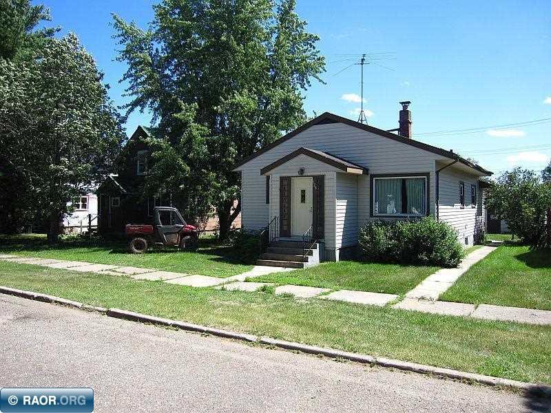 528 Woodbridge Ave, Buhl, MN 55713