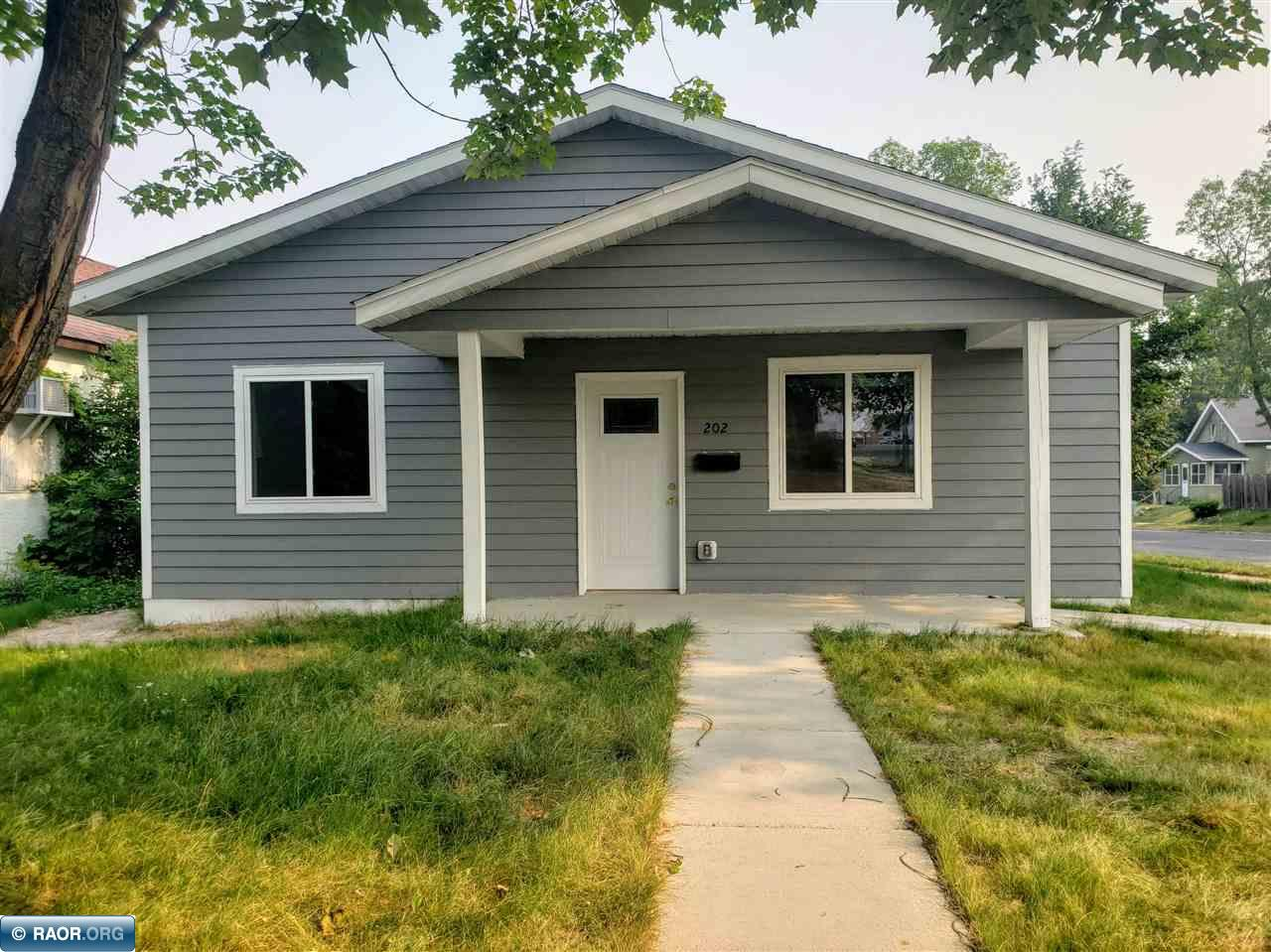 202 2nd St. NW, Chisholm, MN 55719