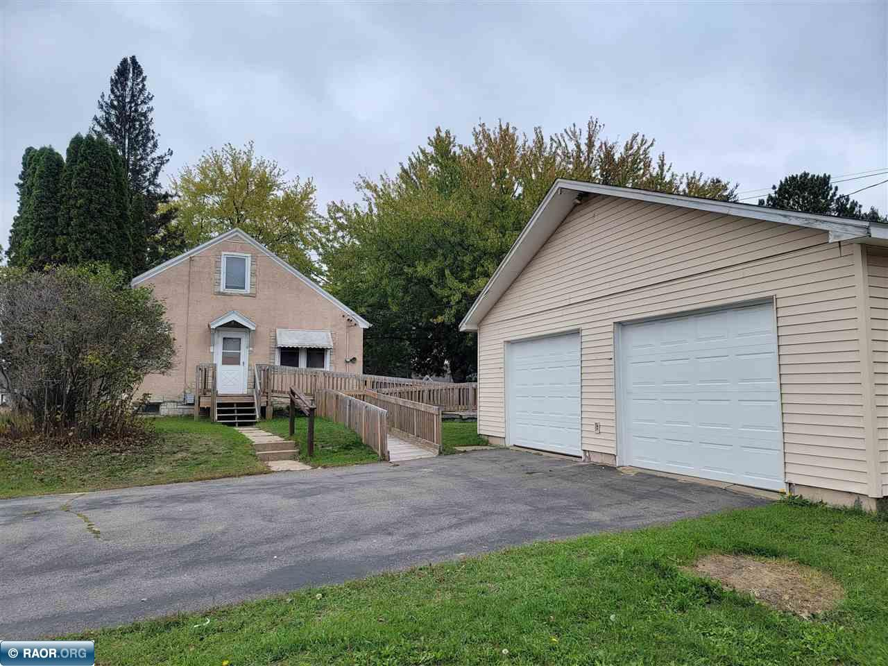 1124 1st Ave NW, Chisholm, MN 55719