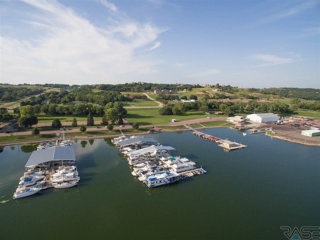 Property for sale at 103 Marina Bluffs Ct, Yankton,  SD 57078