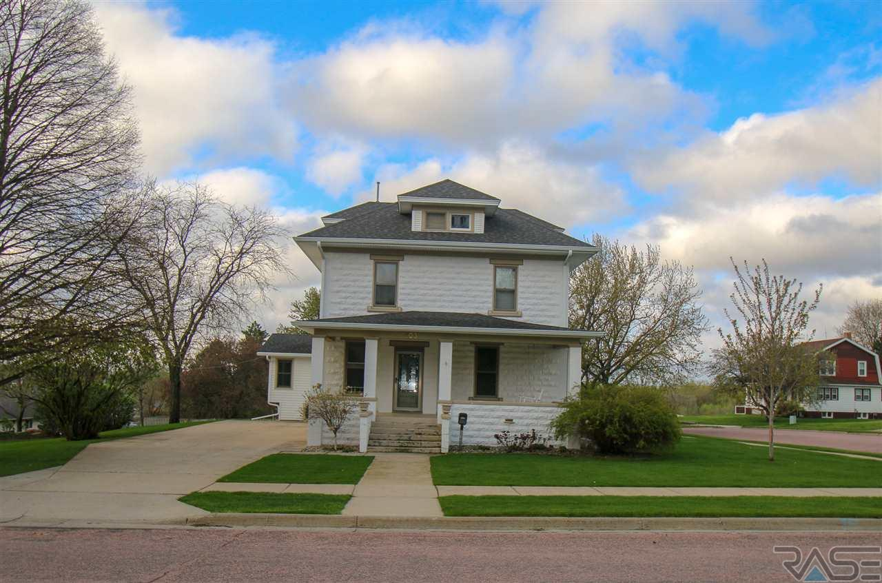 Property for sale at 1103 E 3rd St, Canton,  SD 57013