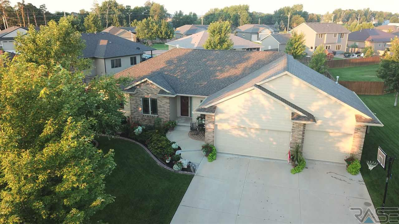 Property for sale at 7505 S Moor Cross Dr, Sioux Falls,  SD 57108
