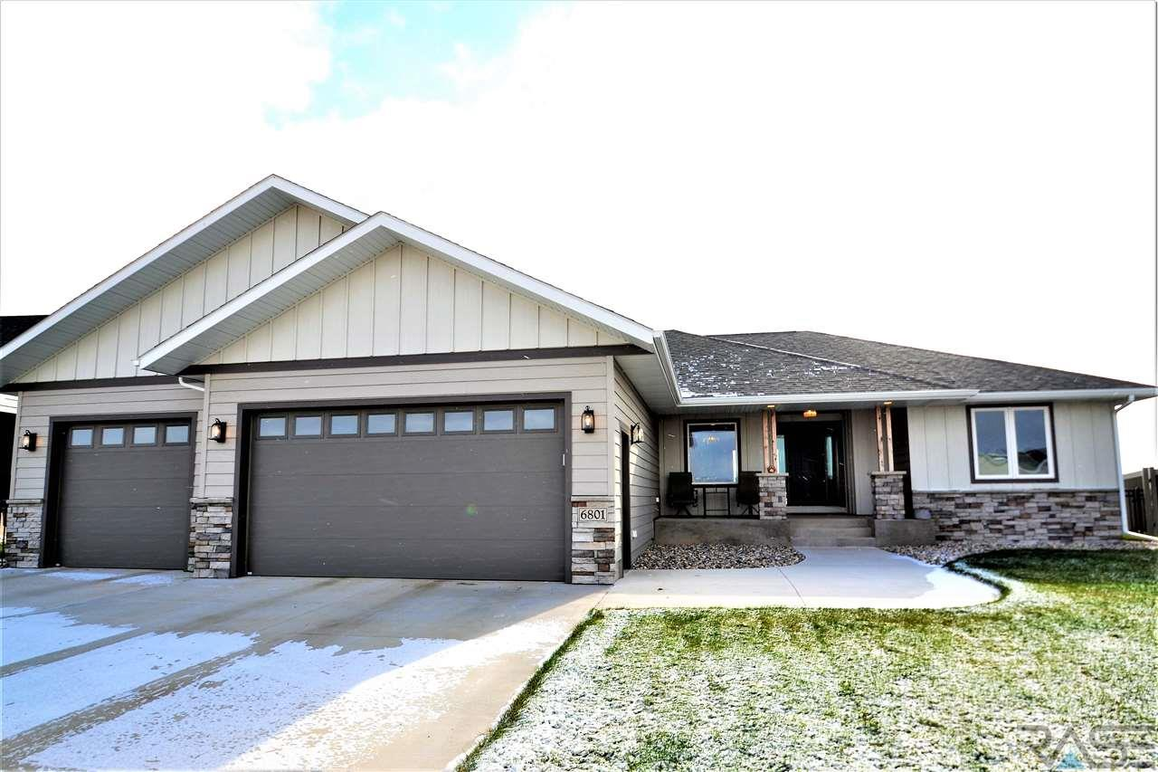 Property for sale at 6801 E Dugout Ln, Sioux Falls,  SD 57110