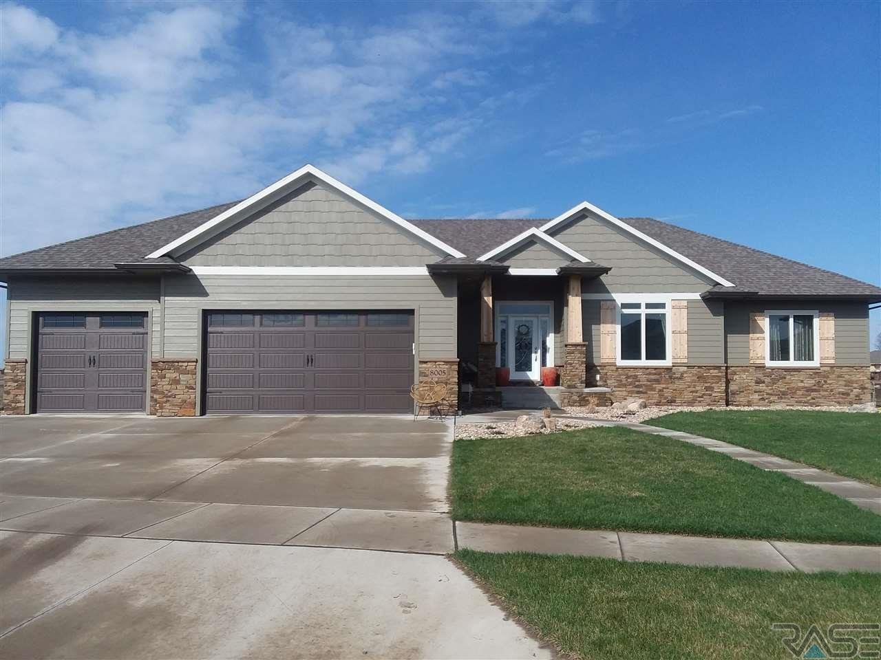 Property for sale at 8005 S Pinewood Ave, Sioux Falls,  SD 57108