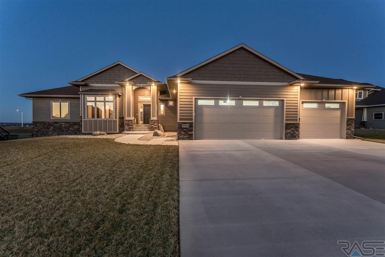 Property for sale at 2734 S Burns Knoll Cir, Sioux Falls,  SD 57110