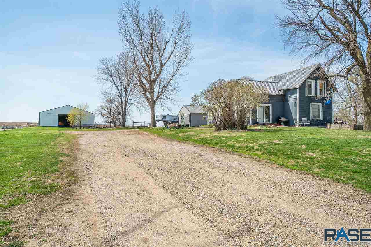 Property for sale at 25257 464th Ave, Hartford,  South Dakota 57033