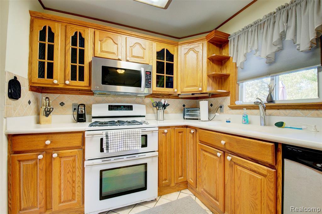 Kitchen Cabinets Flint Mi   Cabinets Matttroy