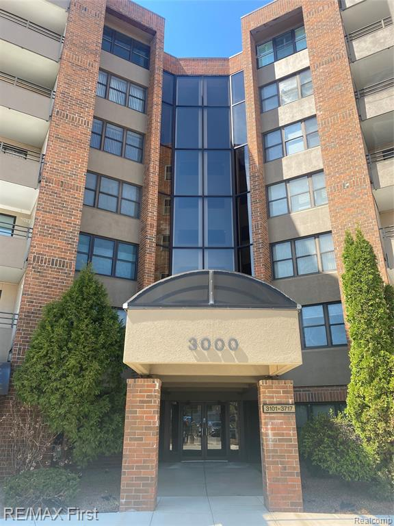 Welcome home to this beautiful end unit, located in the high rise of the SCS golf course. This corner unit is larger than most and offers an extra-long balcony to enjoy in the summer and watch some amazing sunsets to the west. Very well maintained, one owner condo and it shows when you walk in the door. This condo offers 2 large bedrooms and 2 full bathrooms, appliances included and granite countertops, pets are allowed 1 dog up to 20lbs or 2 cats. Brand new carpeting just installed throughout. This building has the only pool and tennis courts on the property, this is open to occupants of this building only. One assigned parking spot in secured garage. No smoking anywhere on the property including balconies, smoking permitted on road only. If this is something that you have always dreamed of, hurry up because this unit will not last long!