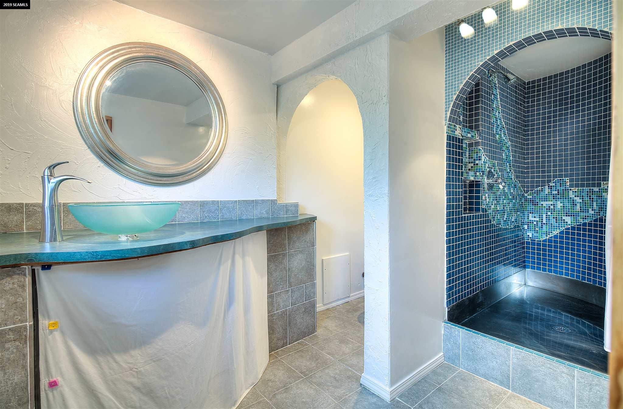 Guest House Master bath